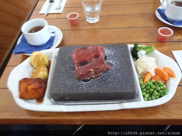 毛利牛排風味餐