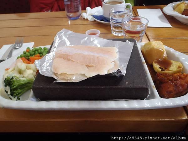 毛利魚排風味餐