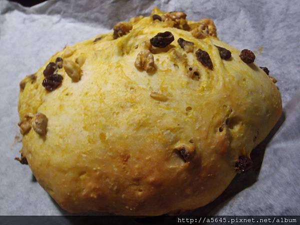 南瓜果乾核桃麵包