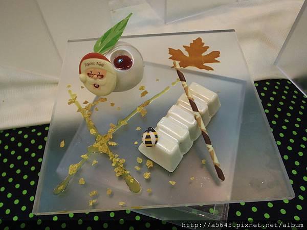白巧克力蛋糕