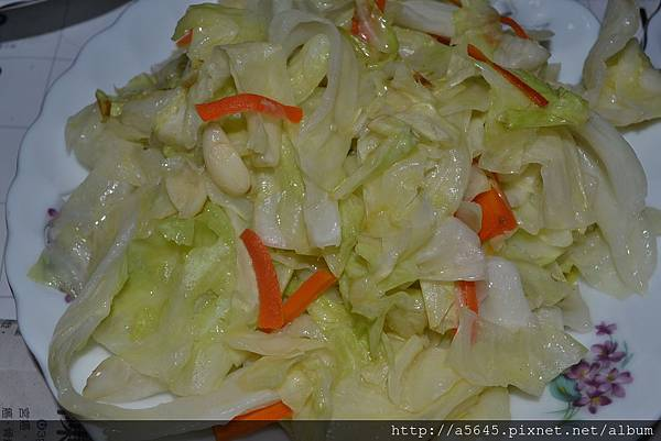 胡蘿蔔炒高麗菜