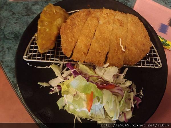 豬排+沙拉