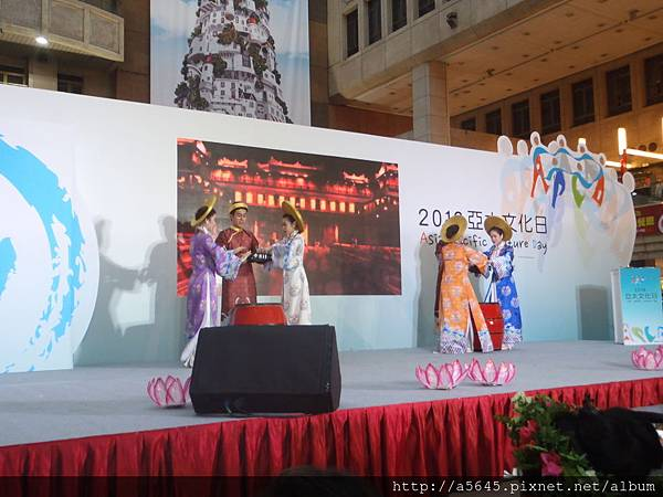 新加坡表演