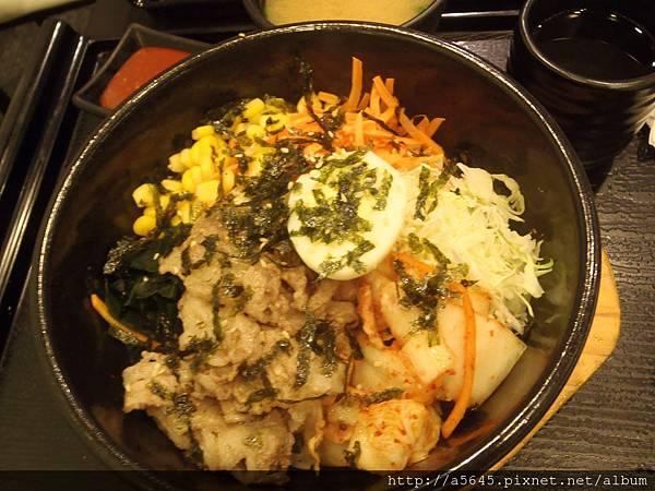 牛肉石鍋拌飯