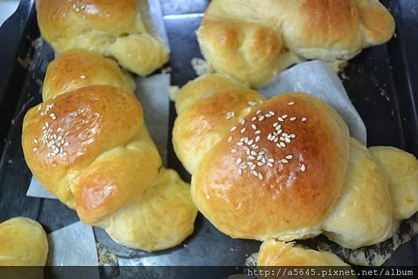 軟式牛角麵包