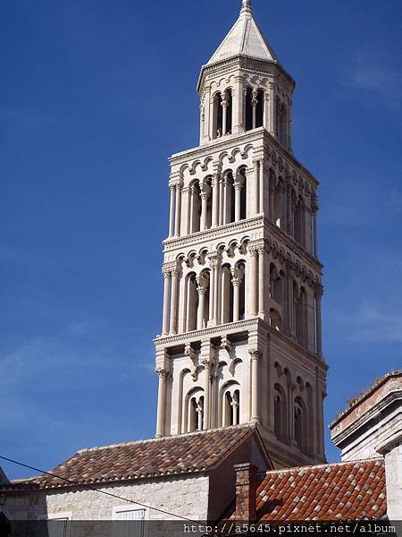 聖多米努斯大教堂(Katedrala Sv. Duje /Cathedral of St. Domnius)與鐘樓
