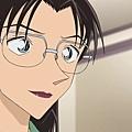 名偵探柯南-897 手臂白皙的女人(後篇).mp4_20180520_105818.174.jpg