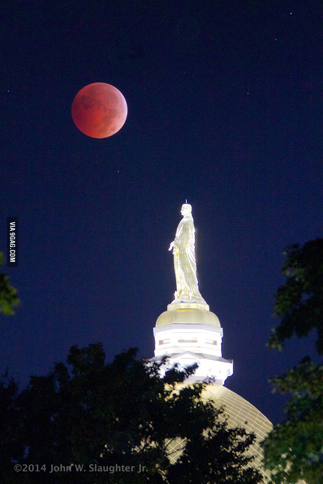 Red Moon at Notre Dame University.jpg