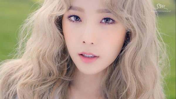 Taeyeon-2.jpg