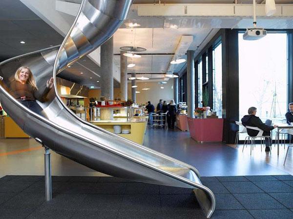 [時事]Google台灣等20家科技公司實習生薪水遠勝上班族:Google工作環境,娛樂空間為例(微軟,奧多比,谷歌,亞馬遜,NVIDIA,雅虎,蘋果,英特爾,高通,Autodesk,NetApp,Intuit,DELL戴爾電腦,HEWLETT-PACKARD,惠普,EMC,IBM,思科系統)157