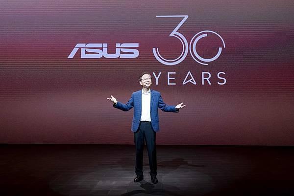 為慶祝品牌成立30周年,華碩董事長施崇棠今率領團隊舉辦2019台北國際電腦展(COMPUTEX)展前記者會。