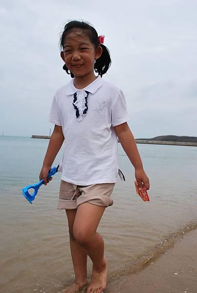 散步沙灘上.JPG