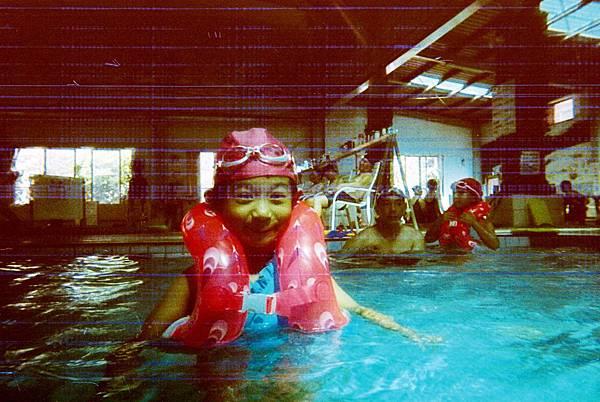 1000702游泳.JPG