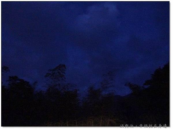 六點半的天空.jpg