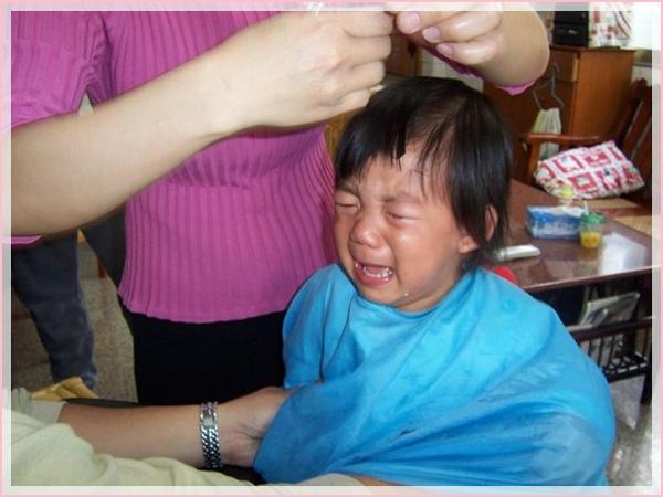 第一次剪髮的哭泣.jpg