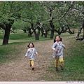 孩子享受著奔跑.jpg