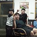 老弟 + 堂弟 + 小姪兒;ㄟ,怎麼我也被拍到了 ^^