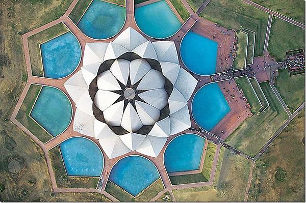 lothus-temple-landscape_thumb.jpg
