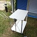 這個桌子雖然不是露營專用的,但已經達到携帶方便,另外重量還很輕哦