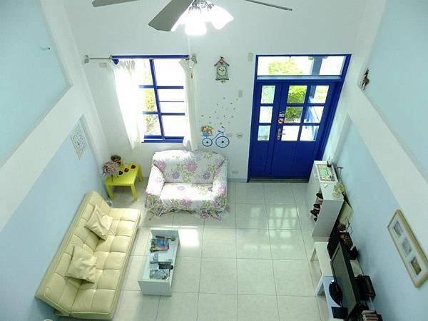 蔚藍海岸一樓客廳