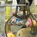 無人商店大黃蜂  娃娃機台找晶晶