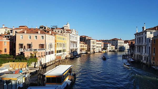 清晨一早「威尼斯」