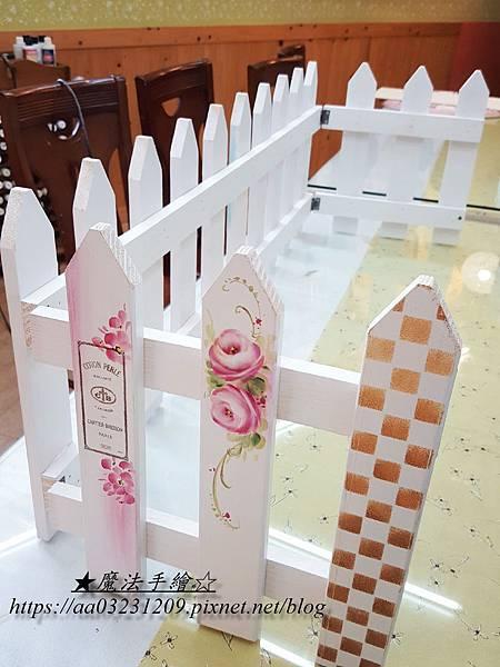 白色圍籬柵欄-手繪玫瑰