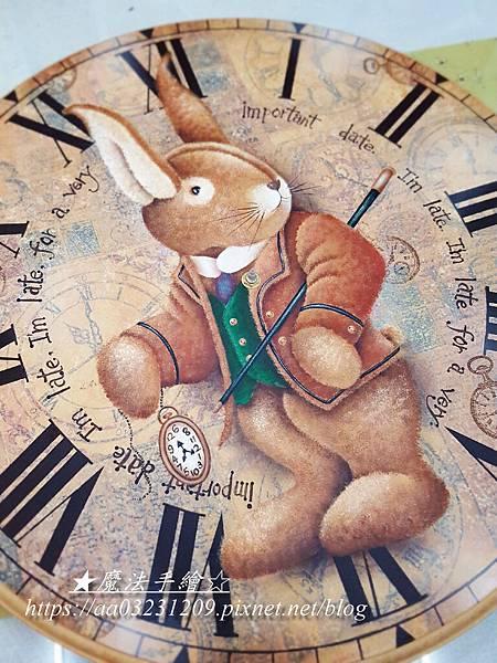 彩繪大鐘-兔子先生