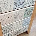 花磚彩繪應用-實木置物櫃
