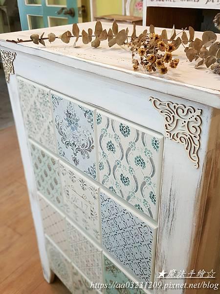 彩繪實木置物櫃-魔法手繪