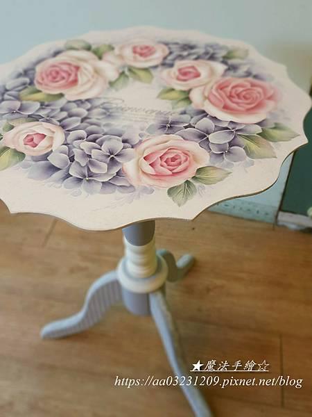 彩繪三角波浪花邊桌-魔法手繪