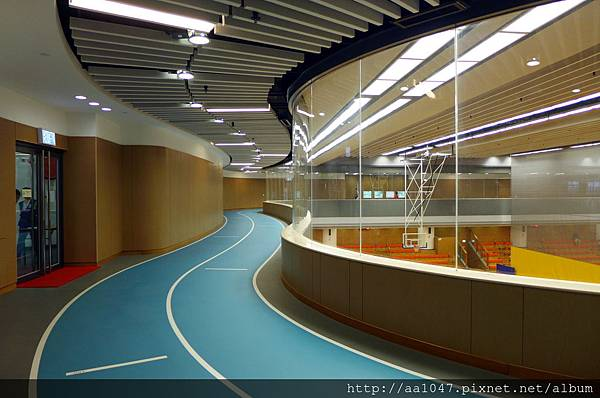Indoor jogging track_20150717.jpg