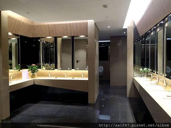 Washroom interior_20150901.jpg
