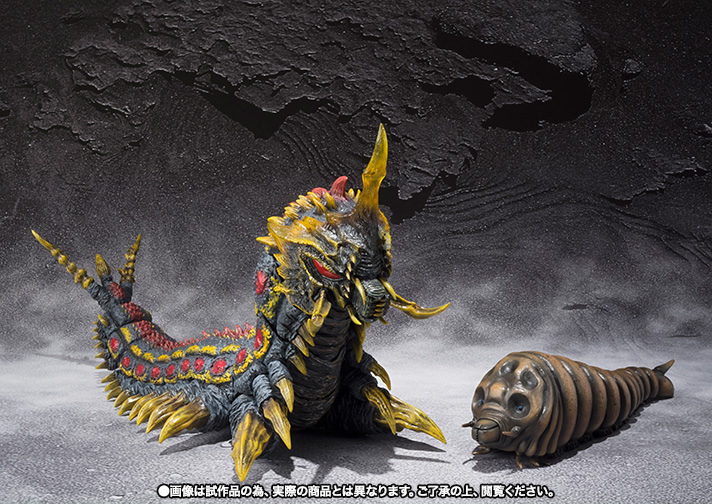 sh-monsterarts-mothra-battra-set-02.jpg