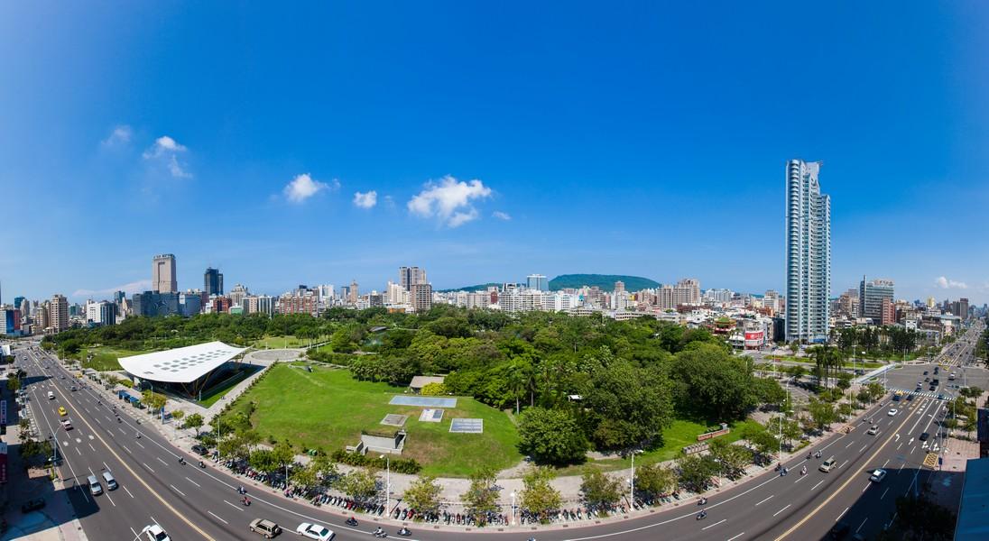 高雄中央公園、綠意、公園、豪宅、房地產、社區大樓、休閒-01