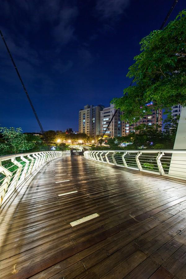 高雄愛河之星、綠意、公園、豪宅、房地產、社區大樓、休閒-09