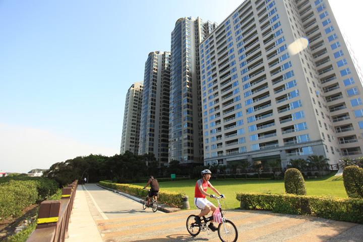 淡水、天泉、水岸住宅、公園、騎腳踏車、自行車道-16.JPG