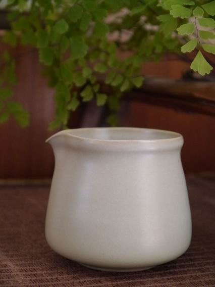 青瓷小茶盅-1