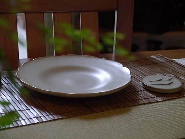 B20青瓷花瓣壺承-1