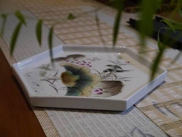 Q6六角瓷盤-5