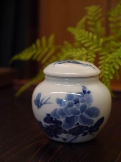 牡丹青花茶罐-1