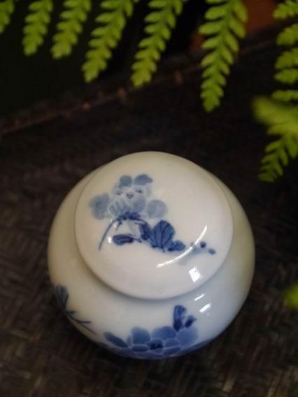 牡丹青花茶罐-2