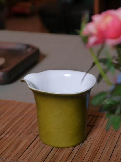 黃綠小茶盅-1