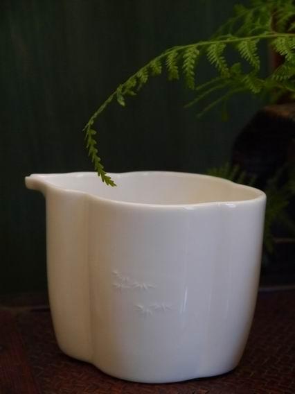花瓣形浮竹瓷茶盅-3