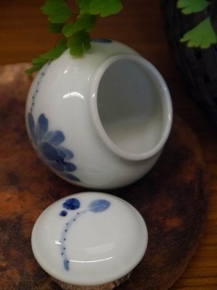 荷花青花小茶罐-3