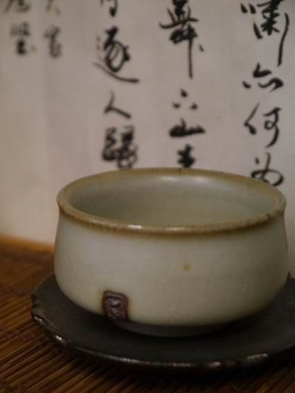 青瓷土樓杯-2