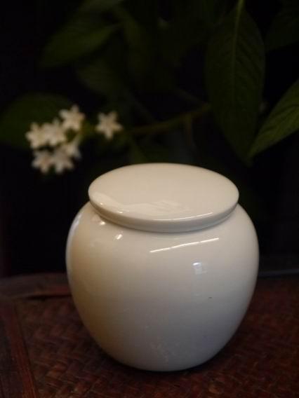 瓷白小茶罐-2