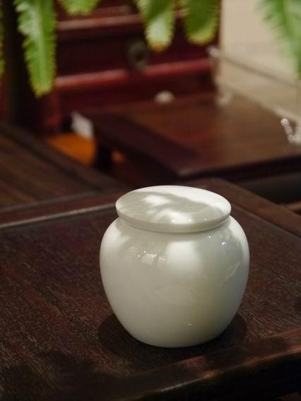 瓷白小茶罐-1