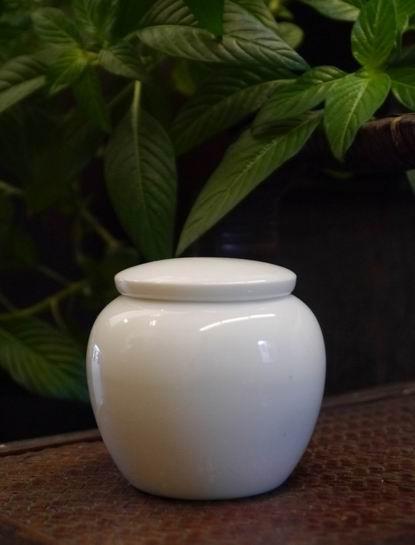 瓷白小茶罐-4
