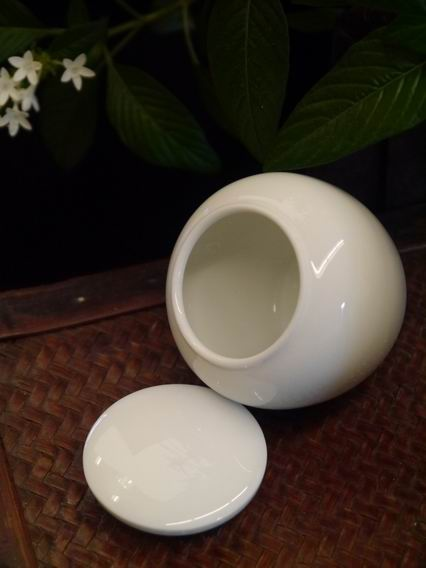 瓷白小茶罐-3
